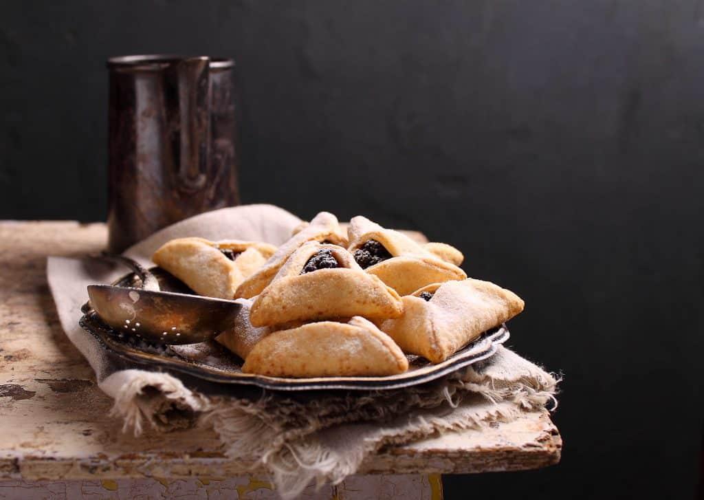 מאמרי קבלה וחסידות על חג הפורים ומגילת אסתר